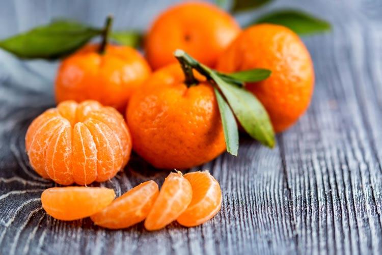 cuantas calorias tiene la mandarina