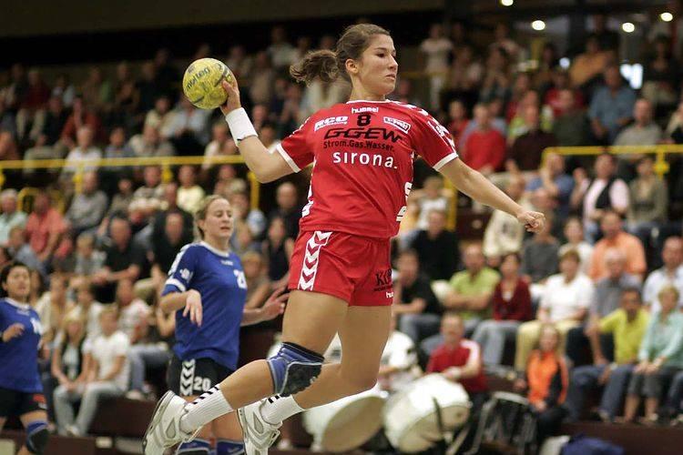 ¿Cuántos árbitros hay en el handball?